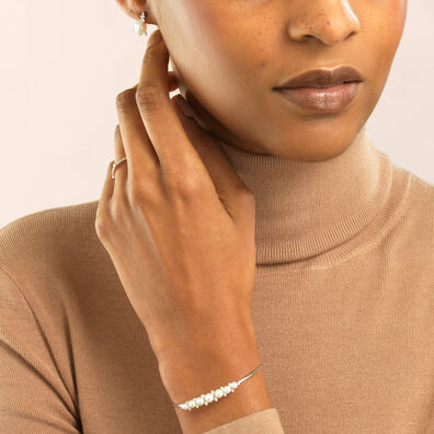 Diamonds & Pearls 18ct White Gold Bangle: An Online Exclusive