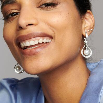 18ct White Gold &  Diamond Pearl Earring Drops