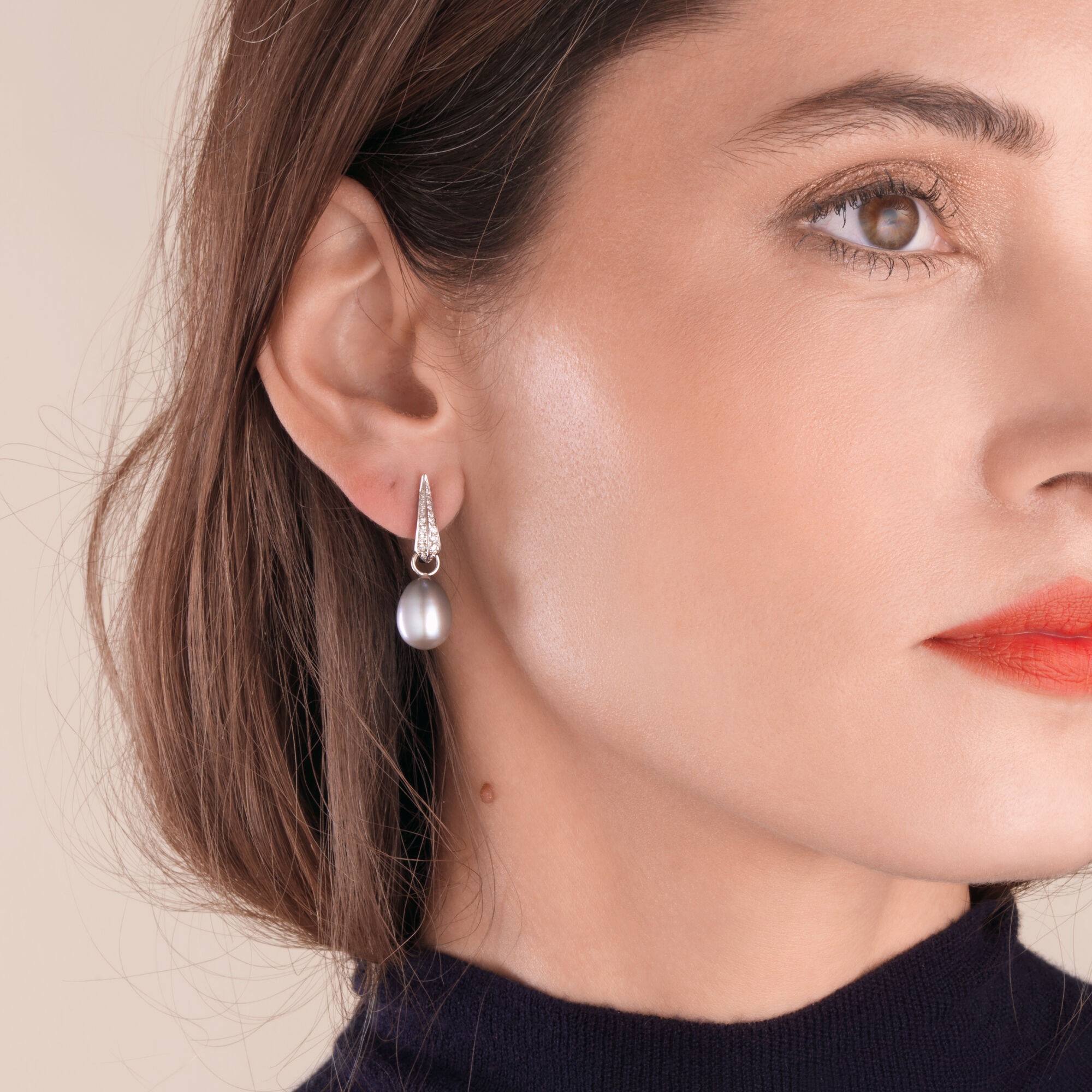 f7e2a7ade 18ct White Gold Diamond Grey Pearl Earrings