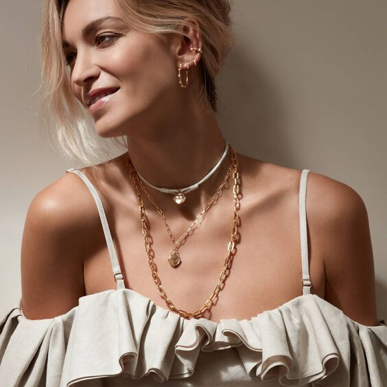 Lovelock 18ct Gold 35cms Cream Leather Bee Charm Bracelet | Annoushka jewelley