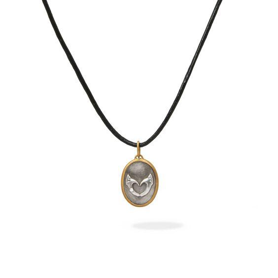 14ct Gold Loving Hands Pendant | Annoushka jewelley