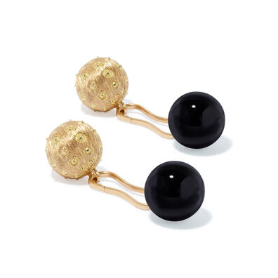 A Pair of 18ct Gold Onyx Cufflinks