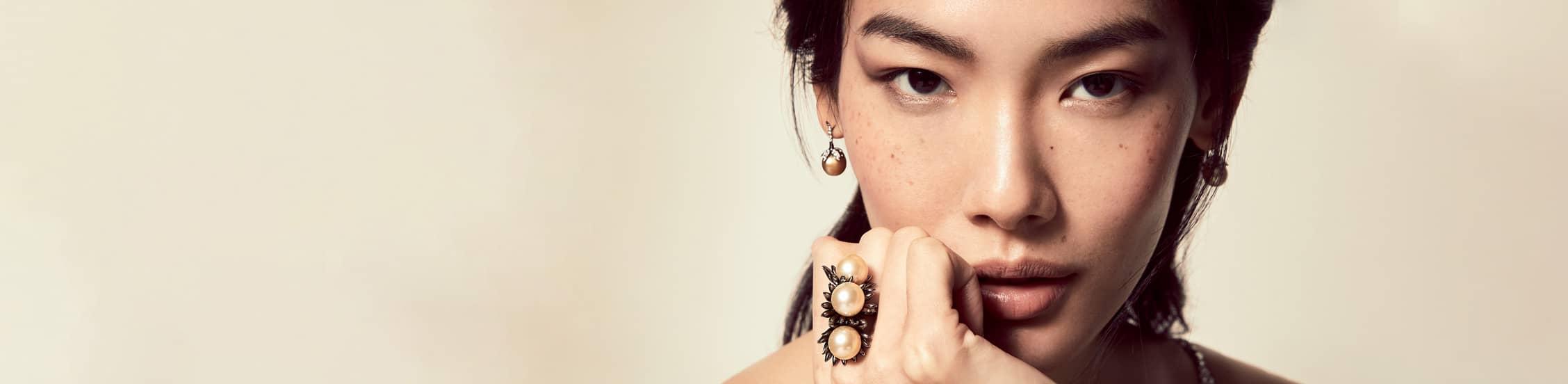 Annoushka Golden Pearls